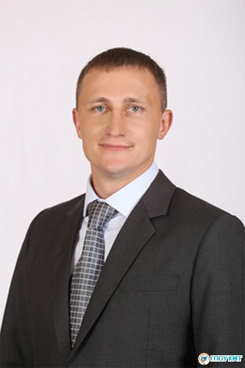 Асанов Евгений Анатольевич, выпускник 2005 г.